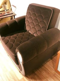 NEW !!!Rich Traditional Style Armchair Colins Brown Wellesley Hills