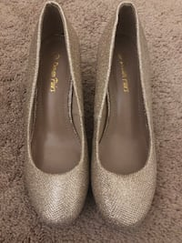 Gold Wedding Heels Size 6.5 Herndon, 20170