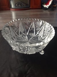 """8"""" diameter 3 footed decorative bowl."""
