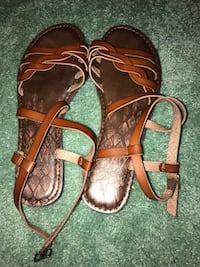 Brown-and-black leather open toe sandals Mount Airy, 21771