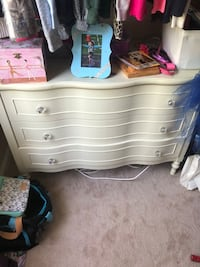 Large dresser with set Chantilly, 20152
