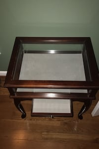 Bombay company glass display cherry end table Sykesville, 21784
