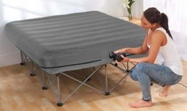 Foldable queen-size bed frame with air pump (mattress not included) 14ef2385-e400-4113-a677-364c166aa8a7