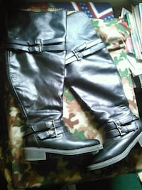 Boots size 8.5 Derby, 67037