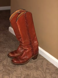 used Frye boots size 8 Doylestown, 18901