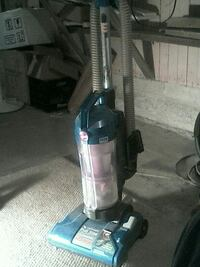 black and gray upright vacuum cleaner Coloma, 49038