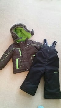 Boys 2T snowsuit Whitby, L1R 2C1