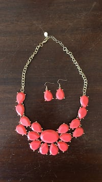 Pink Bubble Necklace and Earrings Simpsonville, 29681