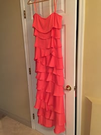 NEW- BCBGMAXAZRIA Coral Tiered Gown SZ. 10 Gilbert, 85234