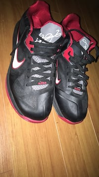 black-and-red Nike basketball shoes Lake Worth, 33463