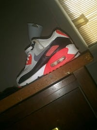 pair of gray-and-red Nike Airmax Richmond, 23224