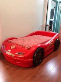 GOOD CONDITION AND CLEAN , SUPPER NICE MC QUEEN CAR BED WITH MATTRESS.  Toronto, M6M