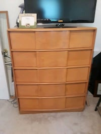 Brown wooden 5-drawer chest Pittsburgh, 15216