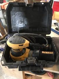 Dewalt variable speed orbital palm sander Calgary, T2Y 2T4