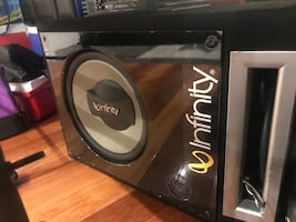 Infinity Reference 1200watt sub with box.Box:8/10 and Subwoofer:10/10