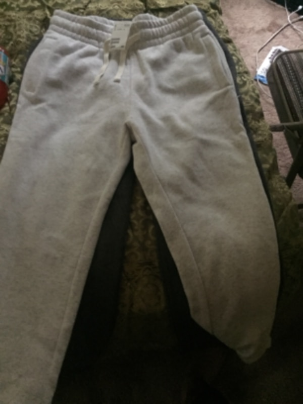 Used H M gray and white sweat pants for sale in Redan - letgo c5ef0db3d