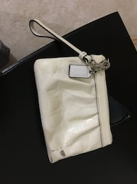 White leather coach wristlet  Fairfax, 22033