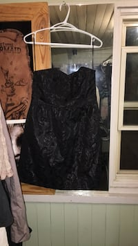 Black and gray floral sleeveless dress Cambridge, N3H 1Z1
