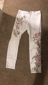 embroidered jeans Portage, 49024