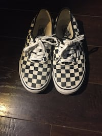 White and Black Checkered Vans low cut Vancouver, V7Y 1K8