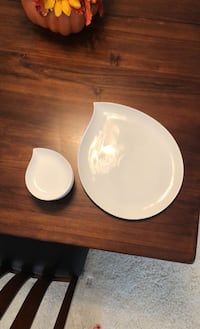 Crate & Barrel Wink Platter and Appetizer Plates Wheeling, 60090