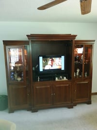 Nice TV Entertainment center Knightdale, 27545