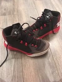 black-and-red Air Jordan basketball shoes Richmond Hill, L4E 3T4
