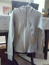 white zip-up jacket Surrey, V3R 0T8