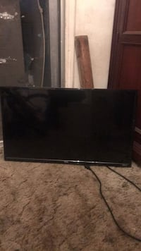 black flat screen TV with remote Hayward, 94544