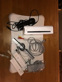Wii comes with microphone, bar, all wires, 2 remotes and fit board  Springfield, 22151