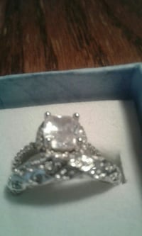 silver-colored clear gemstone engagement ring 1626 mi