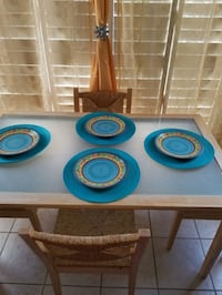 IKEA Small kitchen table and chairs Brampton, L7A 3E1