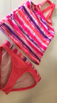 Girls Bathing Suit Size 4/5 Loves Park, 61111
