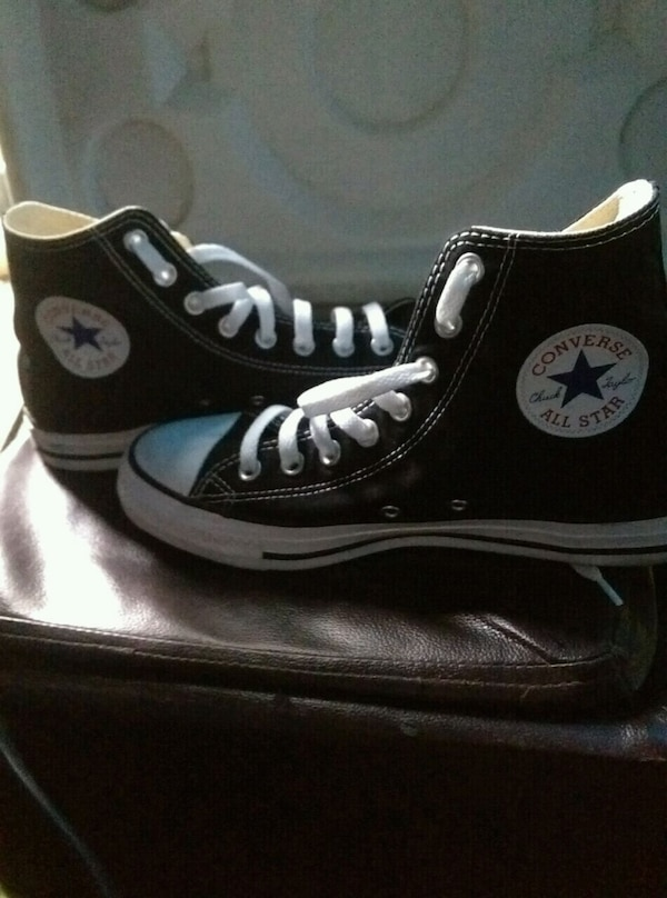 Used converse all stars size 7 mens size 9 womens for sale in San Jose 0ece45389