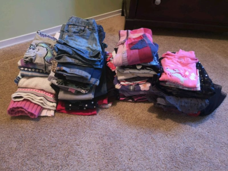 Girls lot size 7 11bfd7d3-34d2-4f17-bb55-13e0956c03a8