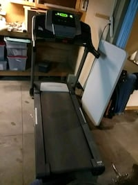 Proform black and gray automatic treadmill St. Louis, 63116