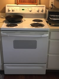 GE  White and black electric coil range oven Gaithersburg, 20877