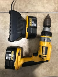 Dewalt cordless hand drill with charger Oxnard, 93033
