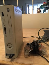 Xbox 360 with wifi Bluetooth adapter and controller 1616 mi