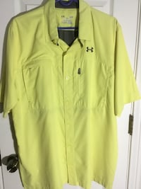 Men's size large loose yellow under armour heatgear button up collared shirt North Richland Hills, 76182