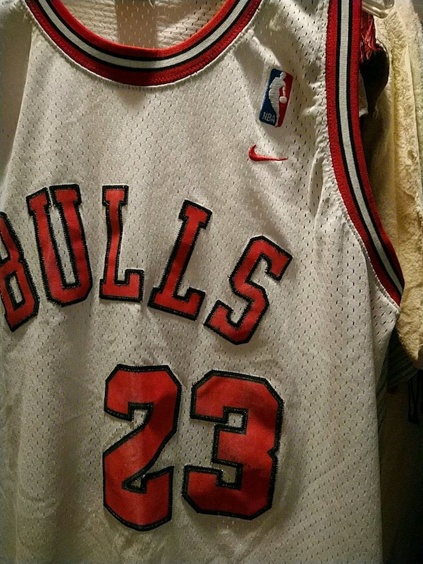 half off b94f6 4868f NIKE 1984 FLIGHT 8403 Chicago Bulls Jordan Jersey
