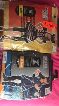 Girls sz small costumes  Hagerstown, 21740
