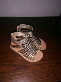 Brand new Size 7 toddler gilr gladiater sandal Erie, 16508