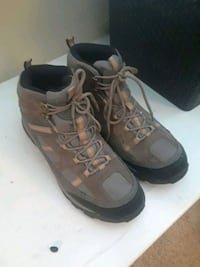 pair of gray-and-brown running shoes Roseville, 95661