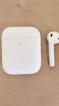 Airpods Trumbull, 06611
