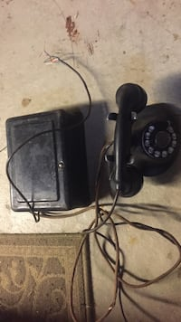 "Vintage ""WORKING ""Black roatary telephone Sterling Heights, 48310"