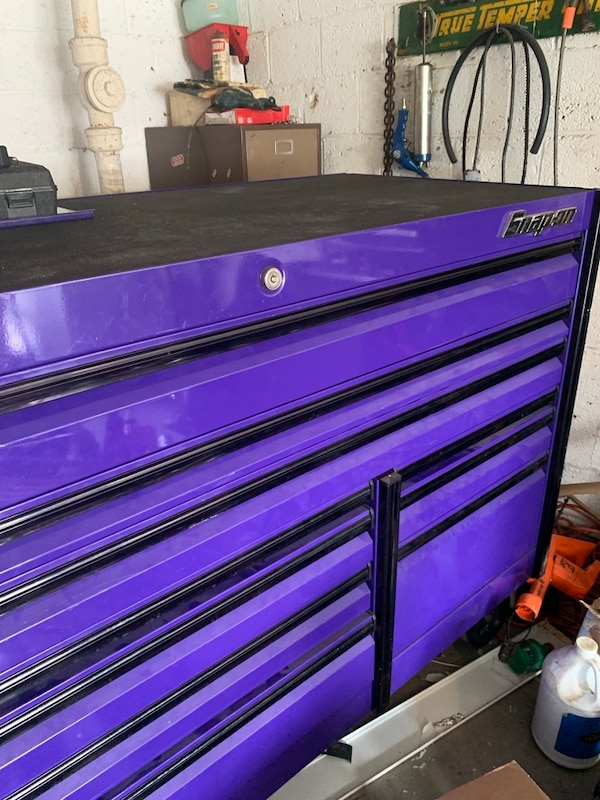Snap on tool box purple &black with black wheels 723186ff-932d-4e12-9189-62ce648aa289