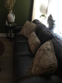 Sofa and chair Great condition (Light so easy to move) 37 km