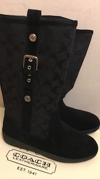 Woman's winter coach boots New York, 11373
