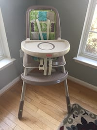 Highchair fisher price like new Boonsboro, 21713